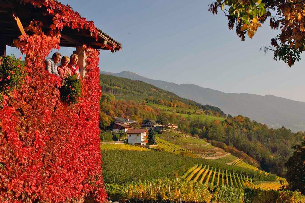 Autumn Vacations in the Isarco Valley-Magic Colors Among the Alto Adige Mountains